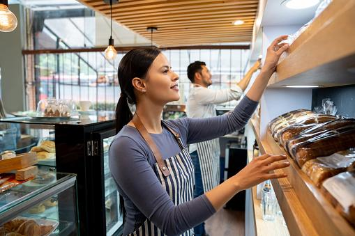 How Do Minimum Wage Hikes Affect the Economy?